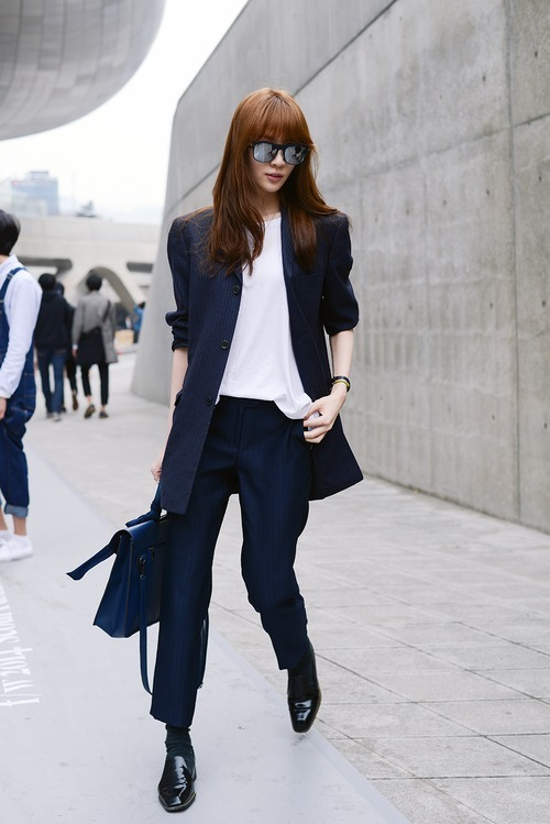 blazer-sleeveless-top-dress-pants-loafers-satchel-bag-socks-original-2385
