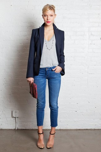 blazer-v-neck-t-shirt-skinny-jeans-heeled-sandals-clutch-large-7450