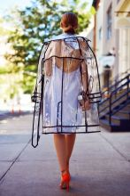 trench coat transparente2